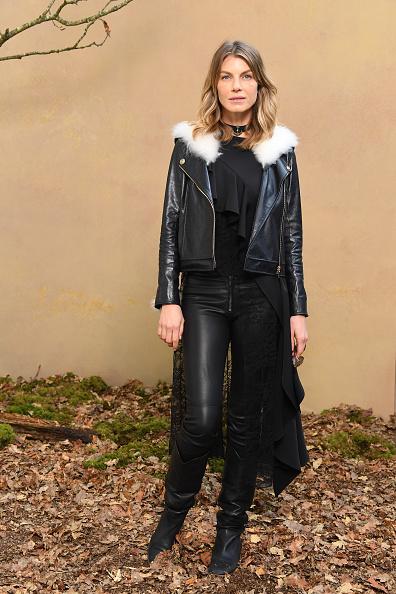 アンジェラ リンドヴァル「Chanel : Photocall - Paris Fashion Week Womenswear Fall/Winter 2018/2019」:写真・画像(8)[壁紙.com]