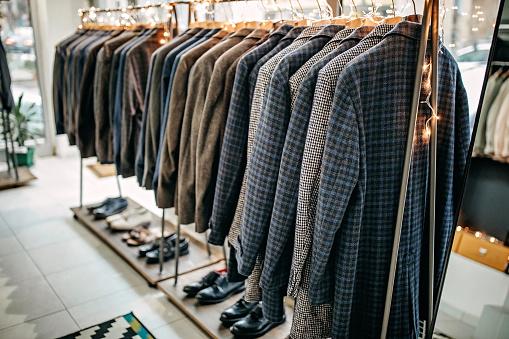 Well-dressed「Suits on rack」:スマホ壁紙(4)