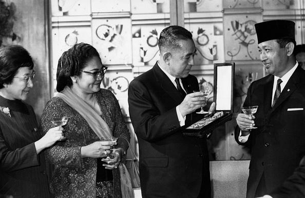 Wedding Reception「Japan Toasts Suharto」:写真・画像(3)[壁紙.com]
