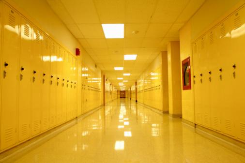 High School Student「Empty High School corridor with yellow lockers」:スマホ壁紙(10)