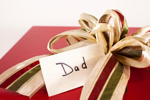Father's Day「Red gift box, bow and tag for Dad. Chrismas present.」:スマホ壁紙(4)
