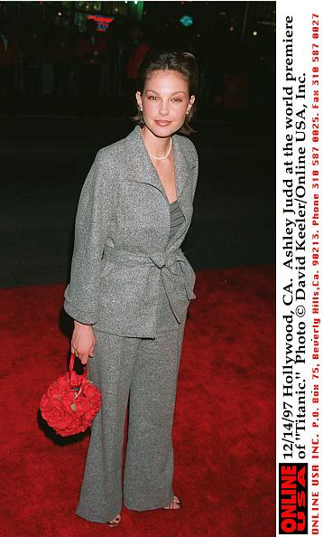 David Keeler「Ashley Judd at 'Titanic' premiere」:写真・画像(7)[壁紙.com]
