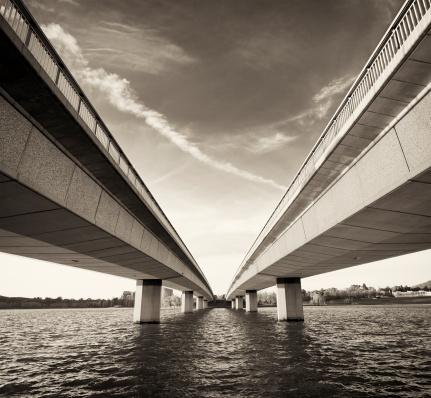 Sepia Toned「Twin Bridges over Water」:スマホ壁紙(13)