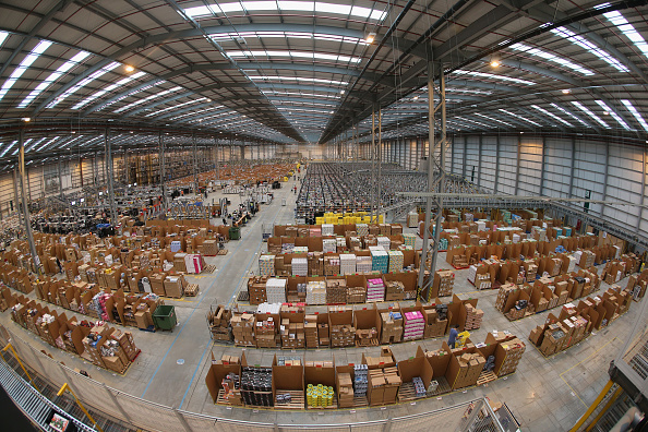 Warehouse「Online Retailers Amazon Prepare For Cyber Monday」:写真・画像(16)[壁紙.com]