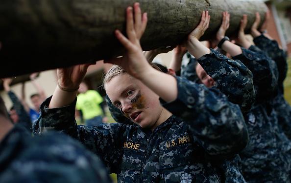 Win McNamee「Naval Academy Freshmen Participate In Grueling Sea Trials Exercises」:写真・画像(16)[壁紙.com]