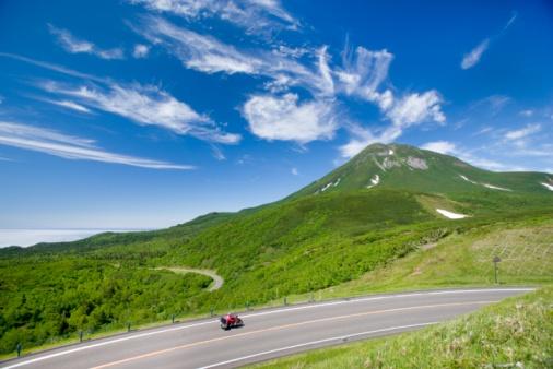 Dividing Line - Road Marking「Mount Rausu, Hokkaido, Japan.」:スマホ壁紙(8)