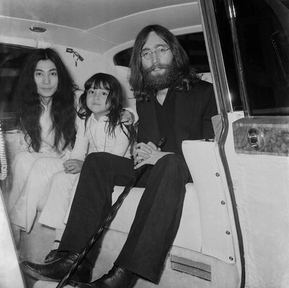 Family「Yoko, Kyoko and John」:写真・画像(17)[壁紙.com]