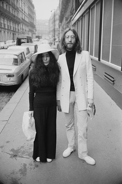 Full Length「Yoko and John」:写真・画像(2)[壁紙.com]