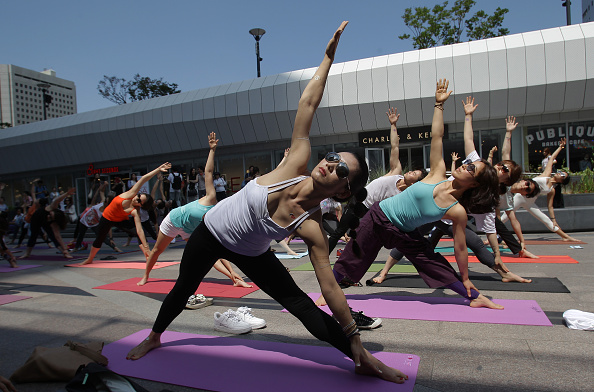 リラクゼーション「World Yoga Day In Seoul」:写真・画像(8)[壁紙.com]