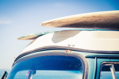 Skating「Two surfboards on top of a car 」:スマホ壁紙(17)