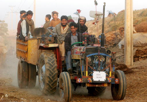 Agricultural Machinery「Afghan Refugees In Pakistan Stay Put」:写真・画像(6)[壁紙.com]