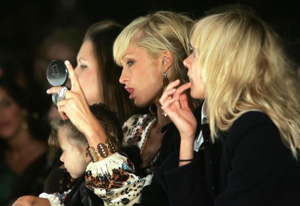 キンバリー・スチュワート「Louis Verdad Spring 2006 - Front Row」:写真・画像(17)[壁紙.com]