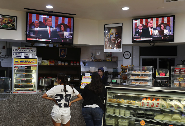 Joint Session of Congress「Venezuelan Community In Doral Watches Trump's State Of The Union Address」:写真・画像(17)[壁紙.com]