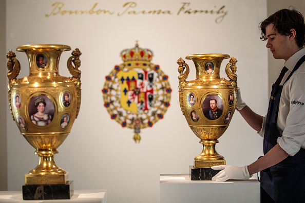 花瓶「Sotheby's Royal And Noble Sale Preview」:写真・画像(4)[壁紙.com]
