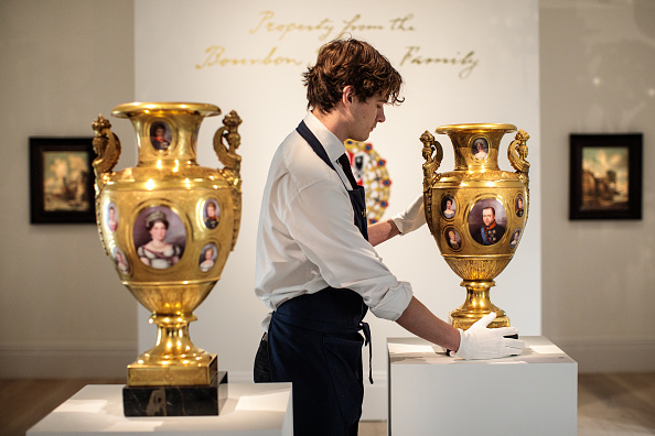 花瓶「Sotheby's Royal And Noble Sale Preview」:写真・画像(1)[壁紙.com]