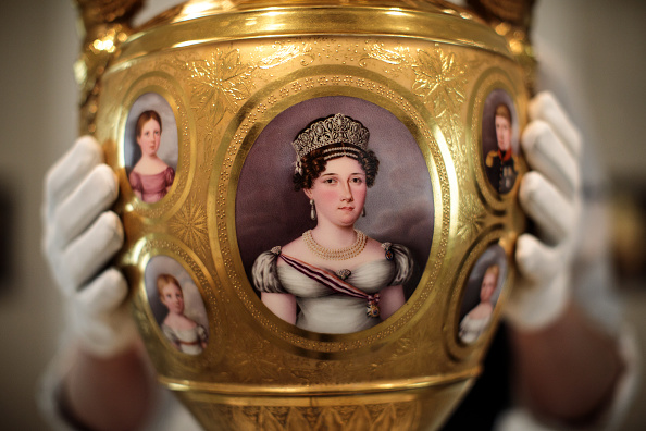 花瓶「Sotheby's Royal And Noble Sale Preview」:写真・画像(3)[壁紙.com]
