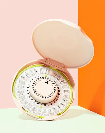 Chemical「Birth Control Pill Dispenser」:スマホ壁紙(11)