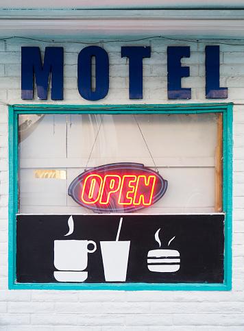 """Motel「Neon sign displays """"Open"""" in American motel window」:スマホ壁紙(11)"""
