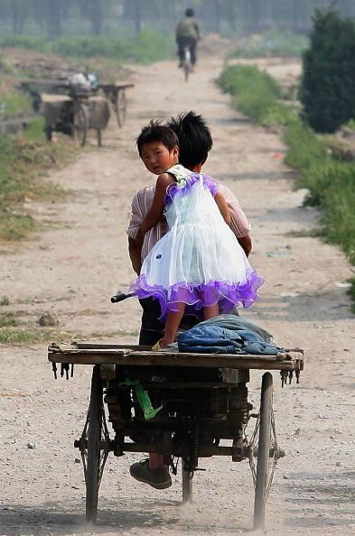 Country Road「Migrant Children In Beijing」:写真・画像(0)[壁紙.com]
