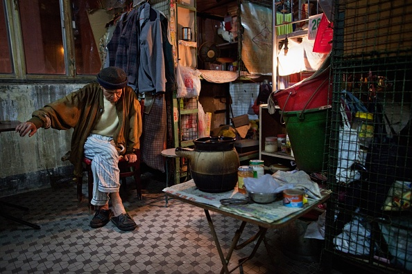 Apartment「Hong Kong's Cage Home Residents Struggle With Increasing Cost Of Living」:写真・画像(7)[壁紙.com]