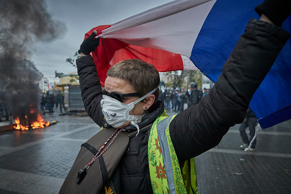 France「First Anniversary Of The First Act Of The Gilet Jaune」:写真・画像(10)[壁紙.com]