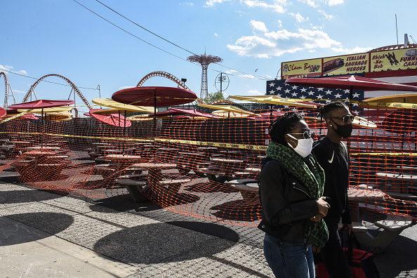 Amusement Park「Coronavirus Pandemic Causes Climate Of Anxiety And Changing Routines In America」:写真・画像(7)[壁紙.com]