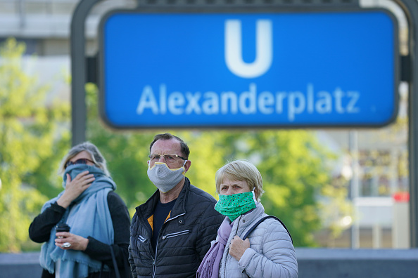 Germany「Nationwide Policy To Wear Face Masks In Shops And Public Transport Goes Into Effect」:写真・画像(7)[壁紙.com]