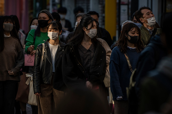 Tokyo - Japan「Concern As Japan Sees A Spike In Coronavirus Cases」:写真・画像(6)[壁紙.com]