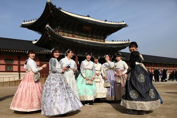 Heritage Images「Lunar New Year Celebrations In South Korea」:写真・画像(9)[壁紙.com]