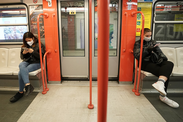 Milan「Italy Clamps Down On Public Events And Travel To Halt Spread Of Coronavirus」:写真・画像(18)[壁紙.com]