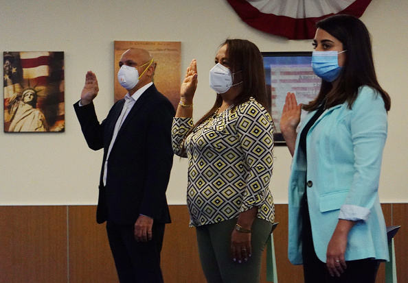 Kendall - Florida「First Naturalization Ceremony Held In Miami Since COVID-19 Shutdown」:写真・画像(16)[壁紙.com]