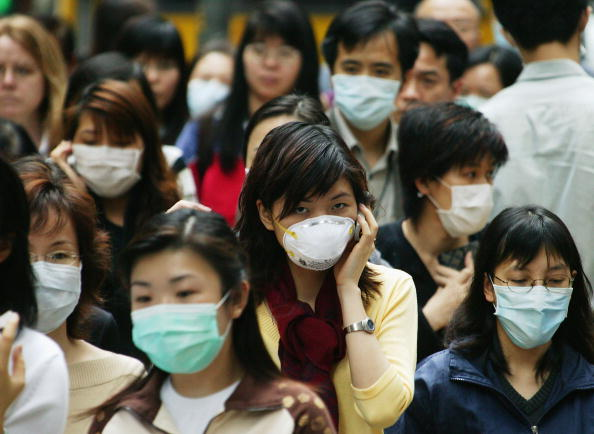 Information Medium「Hong Kong Citizens Cope With SARS Virus」:写真・画像(4)[壁紙.com]
