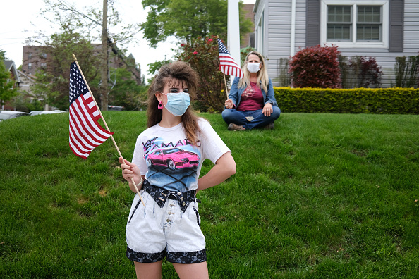 Patriotism「Veterans Parade Held On Staten Island For Memorial Day During Pandemic」:写真・画像(11)[壁紙.com]