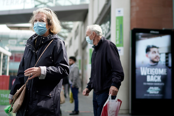 UK「UK Government Warns Of Second Coronavirus Spike As It Requires Masks In Shops」:写真・画像(9)[壁紙.com]
