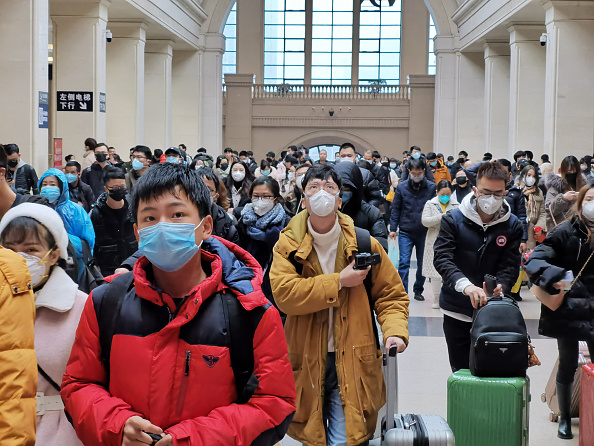 People「Coronavirus Pneumonia Outbreaks In China」:写真・画像(6)[壁紙.com]