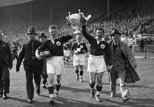 Salford Quays「Salford Win Cup」:写真・画像(2)[壁紙.com]