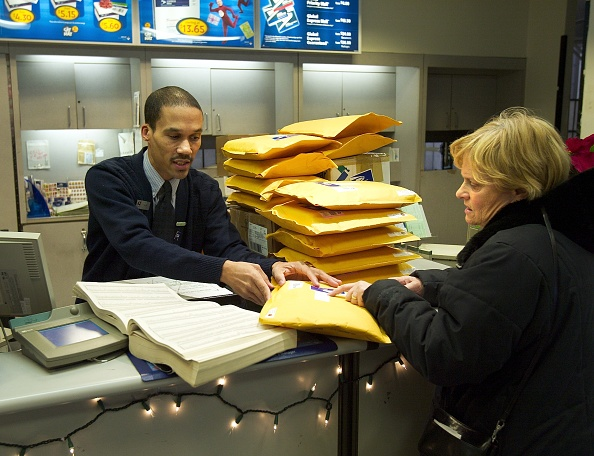 Post - Structure「U.S. Postal Service Tackles Busiest Mailing Day Of The Year」:写真・画像(3)[壁紙.com]