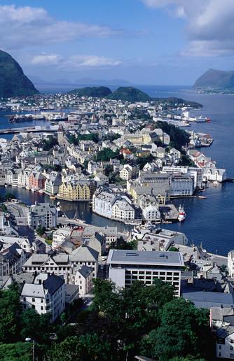 Aksla「Town from Kniven overlook on Aksla hill, Alesund, Norway」:スマホ壁紙(6)