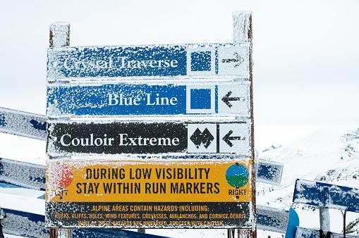 スキー「ブラックコーム山でのスキーコースの標識に従って、BC」:スマホ壁紙(19)