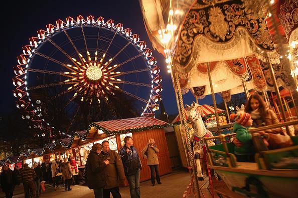 Amusement Park Ride「Christmas Markets Open Across Germany」:写真・画像(1)[壁紙.com]