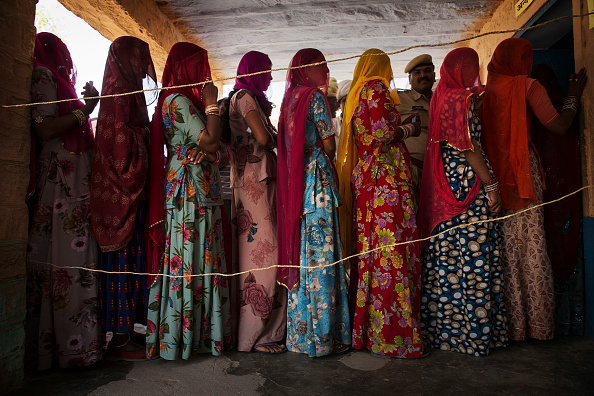 India「Indians Cast Votes On Biggest Polling Day」:写真・画像(18)[壁紙.com]