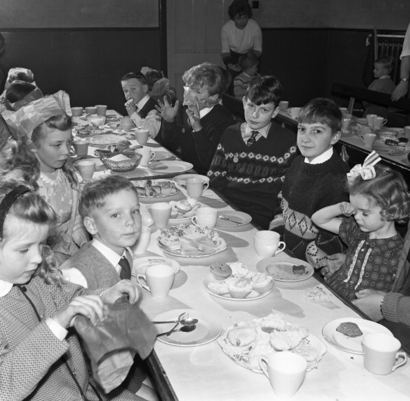 Methodist「Children's Christmas party at a Methodist school, South Yorkshire, 1964. Artist: Michael Walters」:写真・画像(11)[壁紙.com]