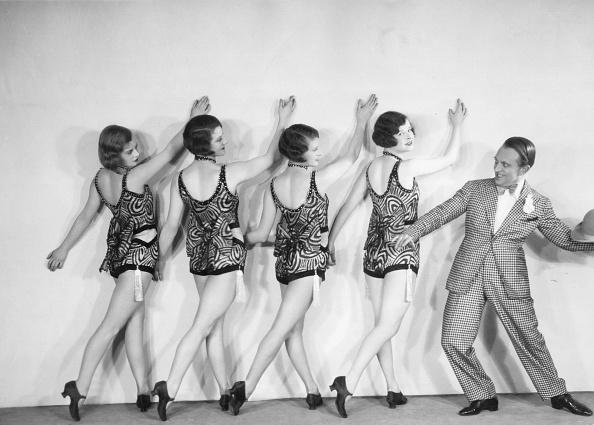 モノクロ「Burlesque Group」:写真・画像(5)[壁紙.com]