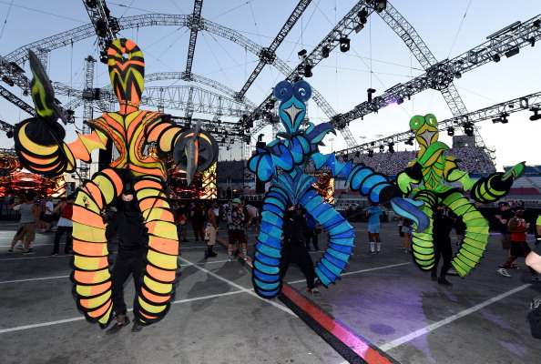 EDC「17th Annual Electric Daisy Carnival - Day 2」:写真・画像(2)[壁紙.com]