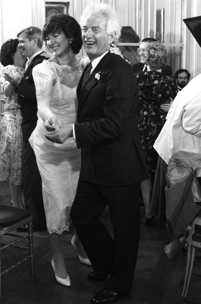 Wedding Reception「The Newlyweds Dance」:写真・画像(1)[壁紙.com]