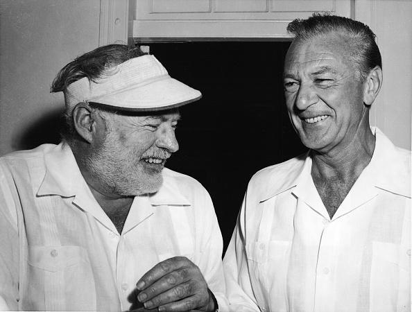 シャツ「Ernest Hemingway And Gary Cooper」:写真・画像(2)[壁紙.com]