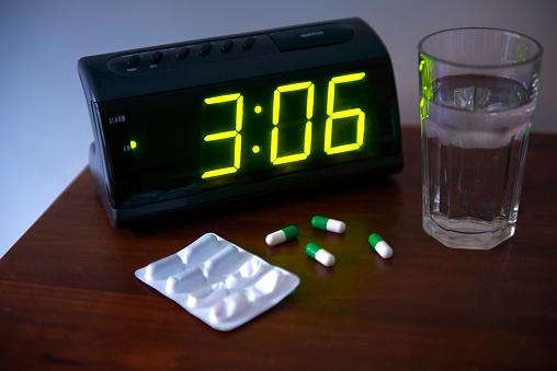 Blister Pack「Sleeping pills in bedroom」:スマホ壁紙(14)