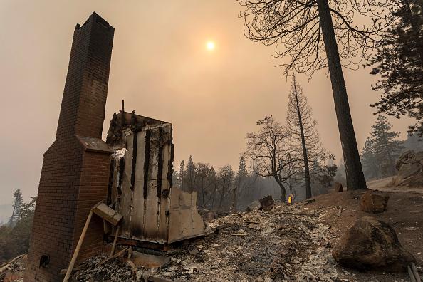 Damaged「Creek Fire Grows Rapidly Near Shaver Lake, California」:写真・画像(14)[壁紙.com]