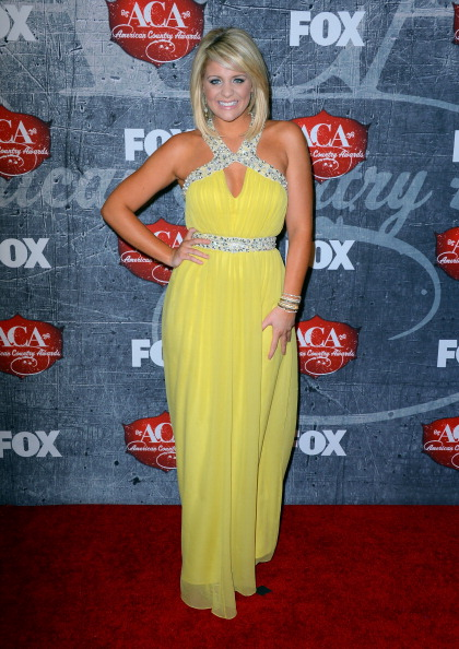 Yellow Dress「2012 American Country Awards - Arrivals」:写真・画像(0)[壁紙.com]