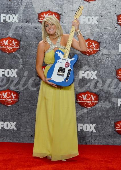 Halter Top「2012 American Country Awards - Press Room」:写真・画像(12)[壁紙.com]